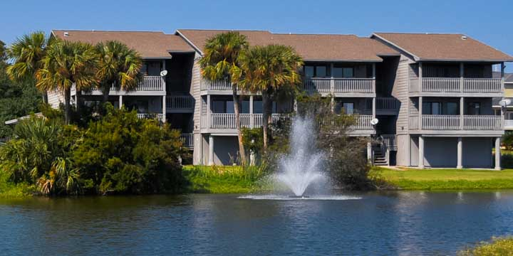 Pond and water feature at Sunchase Condos in Gulf Breeze