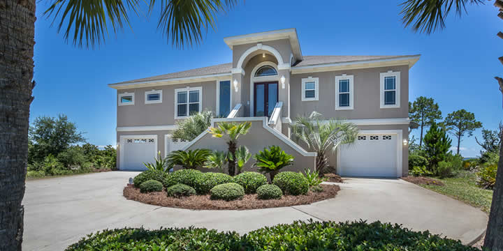 Gulf Breeze Home at 1530 Winding Shore Drive for sale