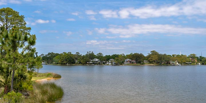 Navy Point waterfront homes