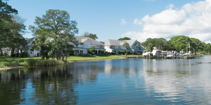 Waterfront homes in Fort Walton Beach