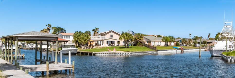 East Hill homes on Bayou Taxar