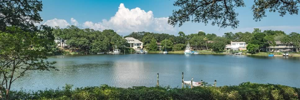 Highpoint Drive waterfront market report in Gulf Breeze FL