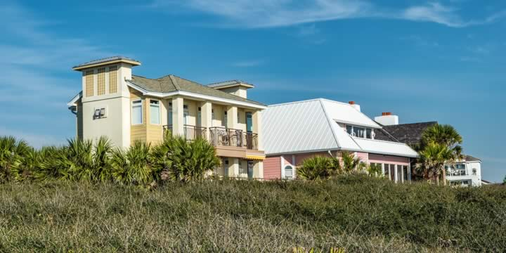 Houses high above the Gulf in Seagrove Beach