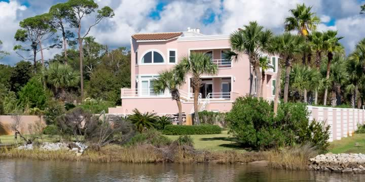 Waterfront home in Mary Esther Florida