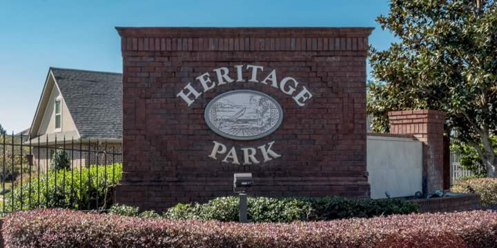 Entrance to Heritage Park subdivision in Navarre FL