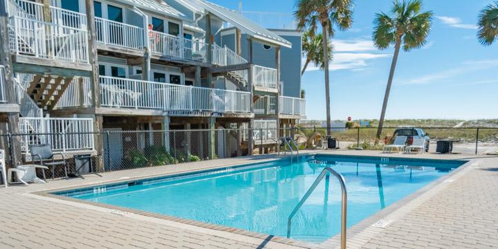 La Bahia pool and deck area