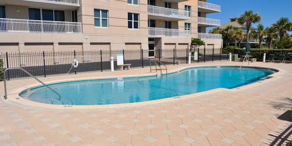 Pool at Santa Rosa Towers