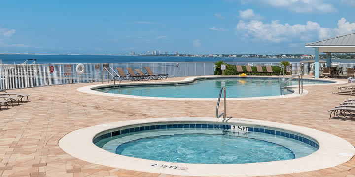 Bayside pool at Harbour Point condos in Pensacola