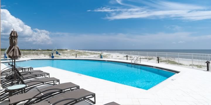 Outdoor swimming pool at Vista Del Mar Condos