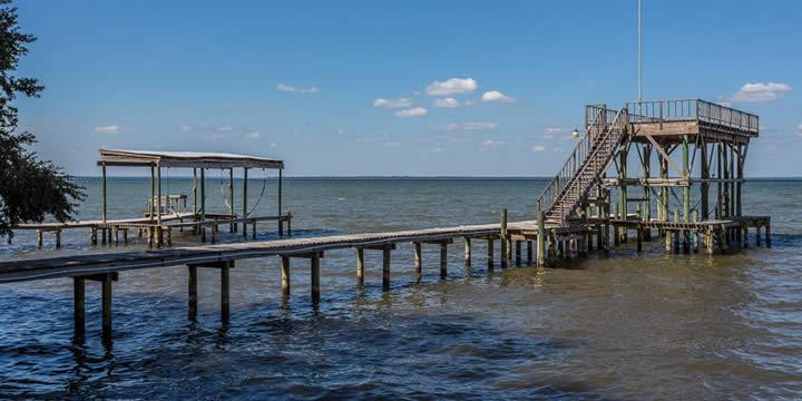 Waterfront dock in Gulf Breeze, FL